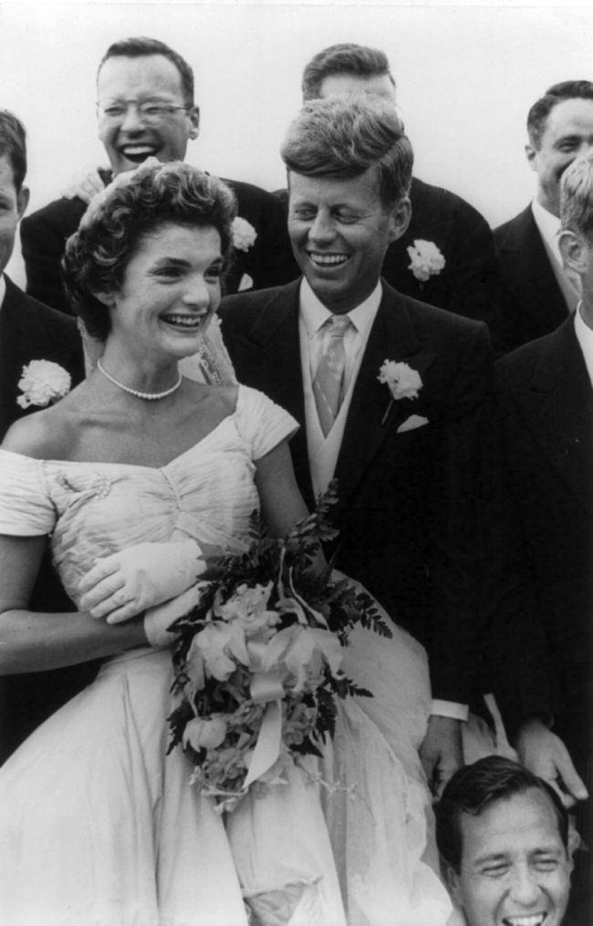 John_and_Jackie_Kennedy_wedding_by_Toni_Frissell_cph.3b14695