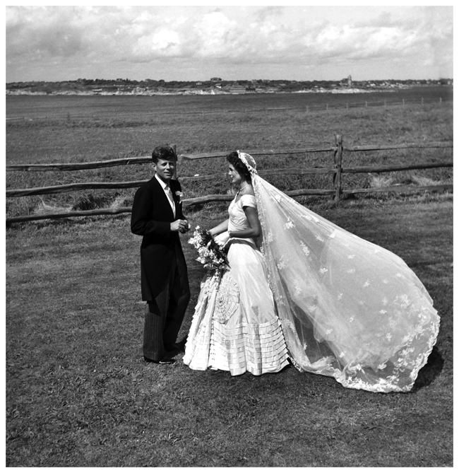toni-frissell-john-f-kennedy-and-jacqueline-bouvier-on-their-wedding-day-1953