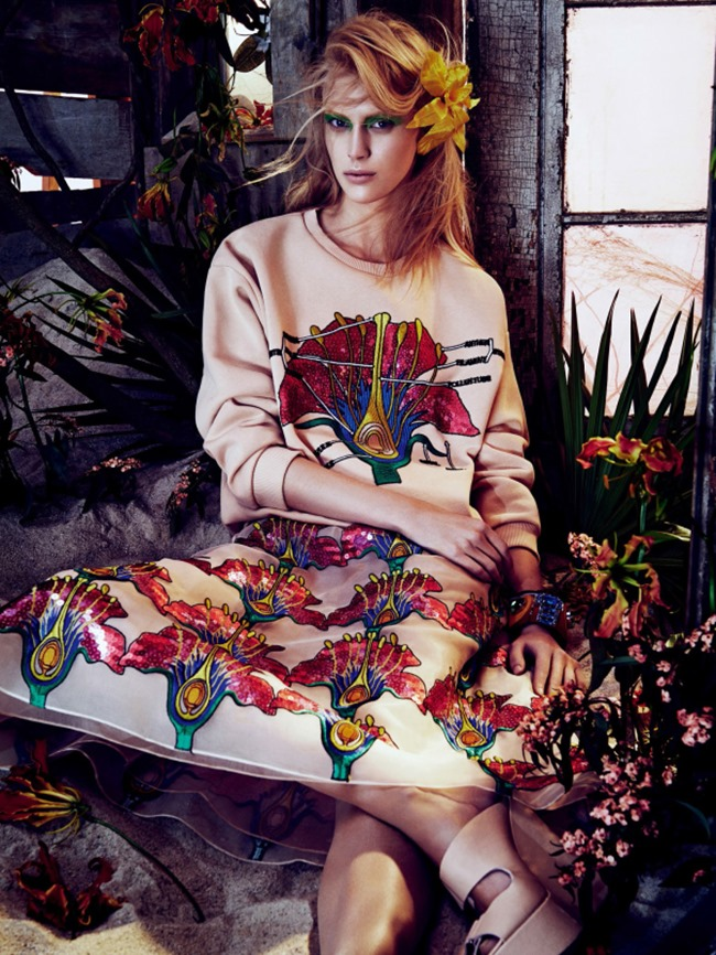 Vogue_Japan_march_2014_tropical_heat_2