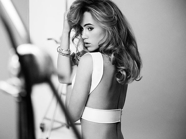 2_suki_waterhouse_redken